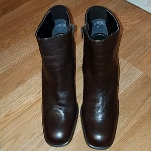 Nine West Brown leather ankle boots NWT size 8.5